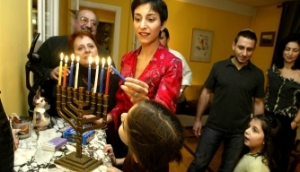 hanukkah-celebration-france-a